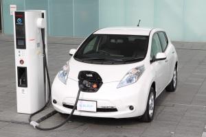 2013-Nissan-Leaf-1